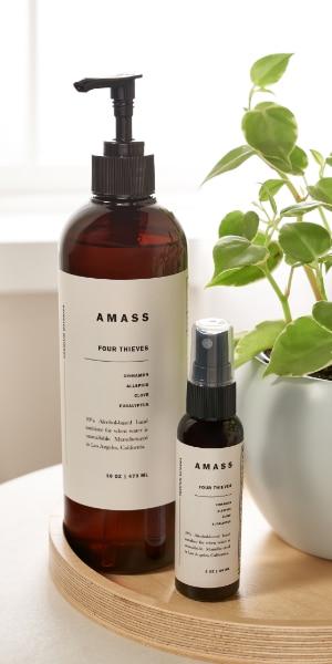 Sanitizer With Notes of Eucalyptus, Cinnamon, Clove