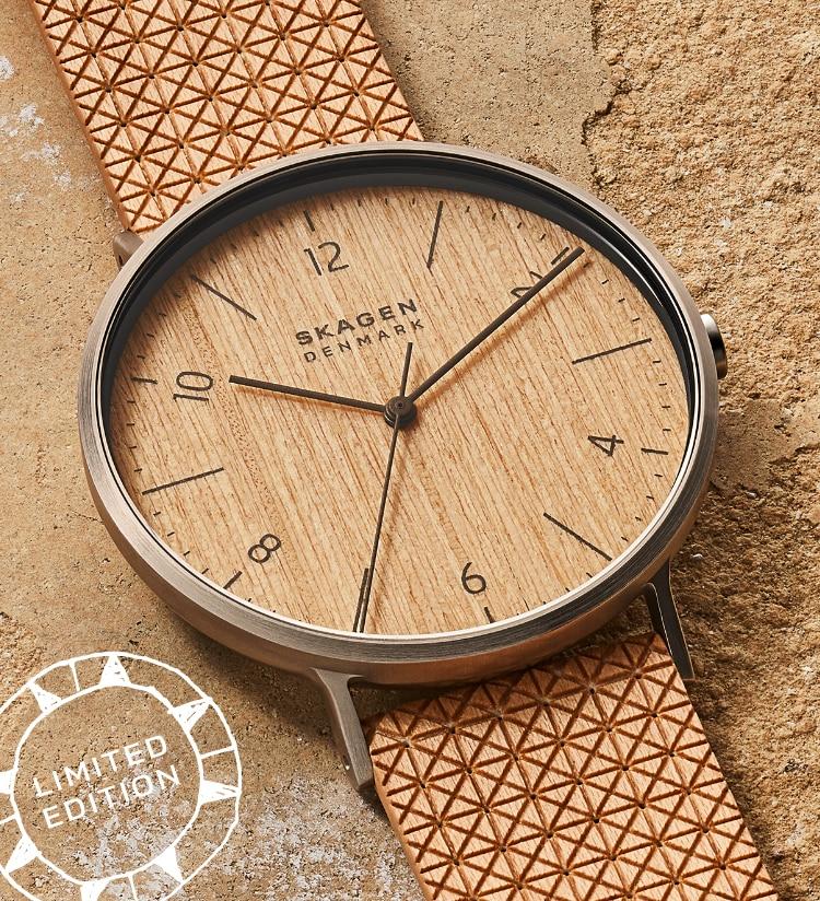 Bild einer Uhr Aaren Naturals aus Holzfurnier.